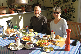 Breakfast with B+B guests