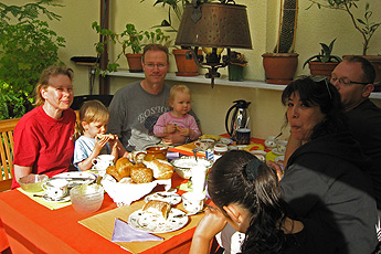 2 families from Germany and Israel